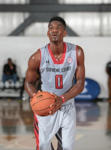 2017 PF DeAndre Ayton prepares to take his free throws for Supreme Court (CA). (Photo by Kelly Kline/Under Armour)""