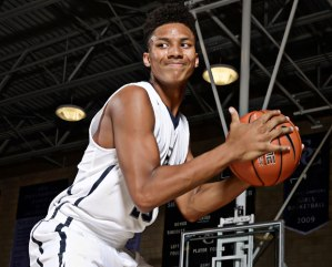 "Sierra Canyon (CA) 2017 6' 8"" PF Ira Lee looking to lead his team to the Iolani Classic title."