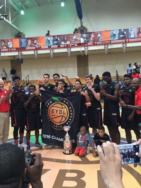 2016 Peach Jam champions, Mokan Elite.